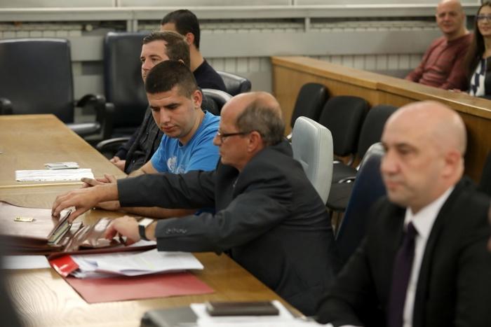 СУДЕЊЕ ЗА СВИРЕПО УБИСТВО НА МЛАДИОТ САЗДО: Обвинетите Беља и Демири се чувствуваат невини, а виновна била метална кутија на ЕВН