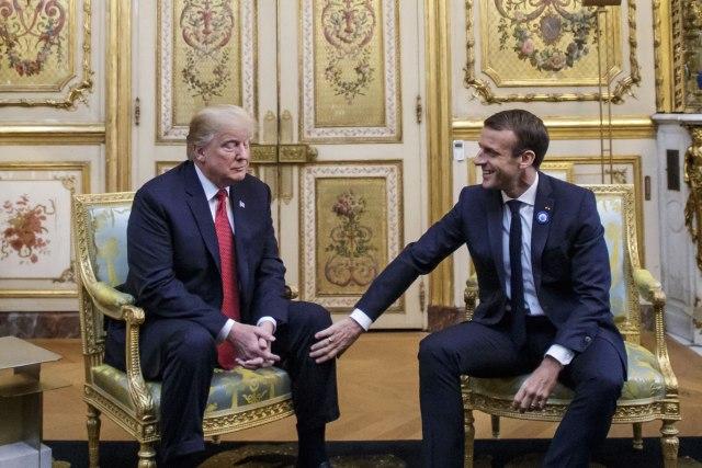 Макрон: Трамп да не повлекува американски трупи од Африка