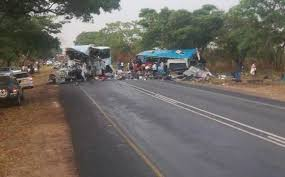Зимбабве: Најмалку 45 загинати во судир меѓу два автобуса