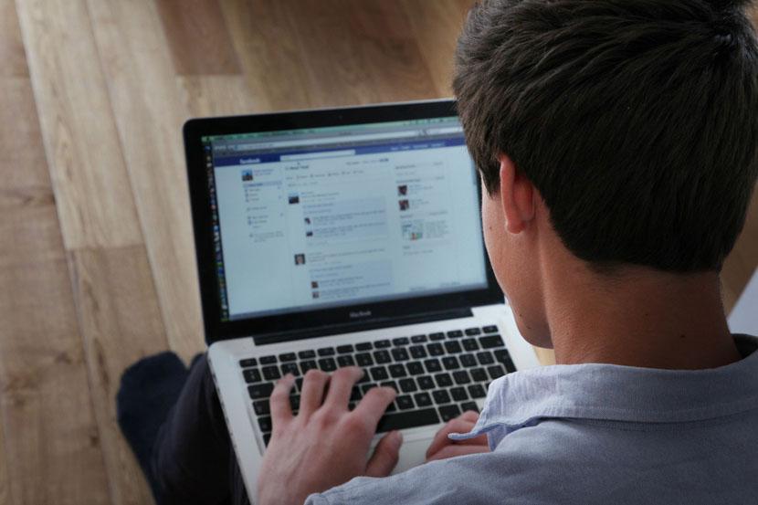 Полициски совет: Не објавувајте на Фејсбук дека не сте дома за да не привлечете крадци