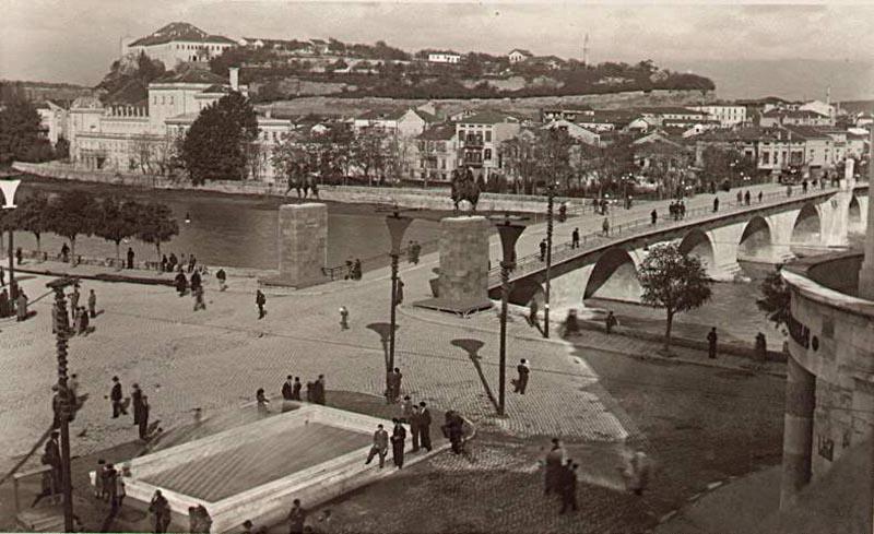 Како во Скопје се славеле Божик и Нова година меѓу двете светски војни (1): Старата година се испраќала со посмртен марш!