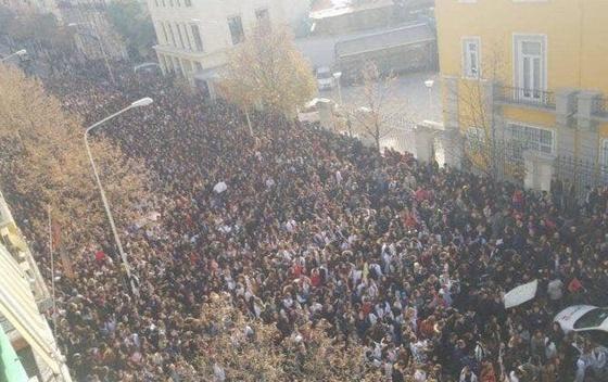 АЛБАНИЈА: Масовните студентски протести се шират, повик да се придружат и средношколците
