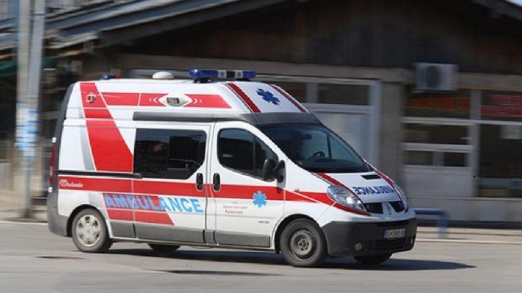 Здравство: Пред избори стигнаа и 12 возила за Итна помош