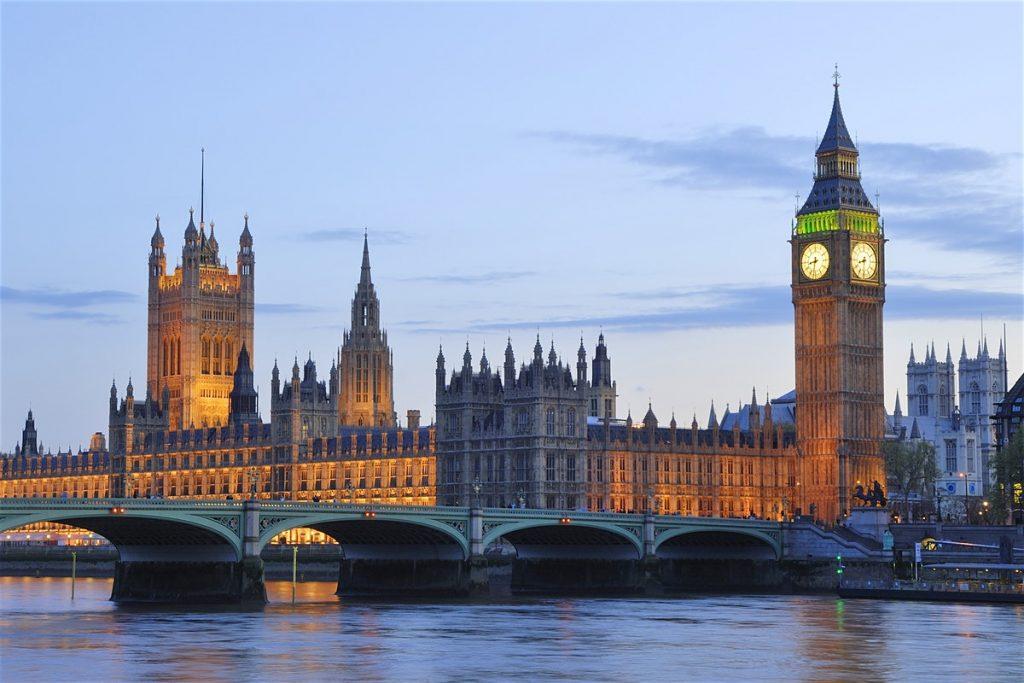 Кембриџ: Во Англија може да има до 690 починати дневно