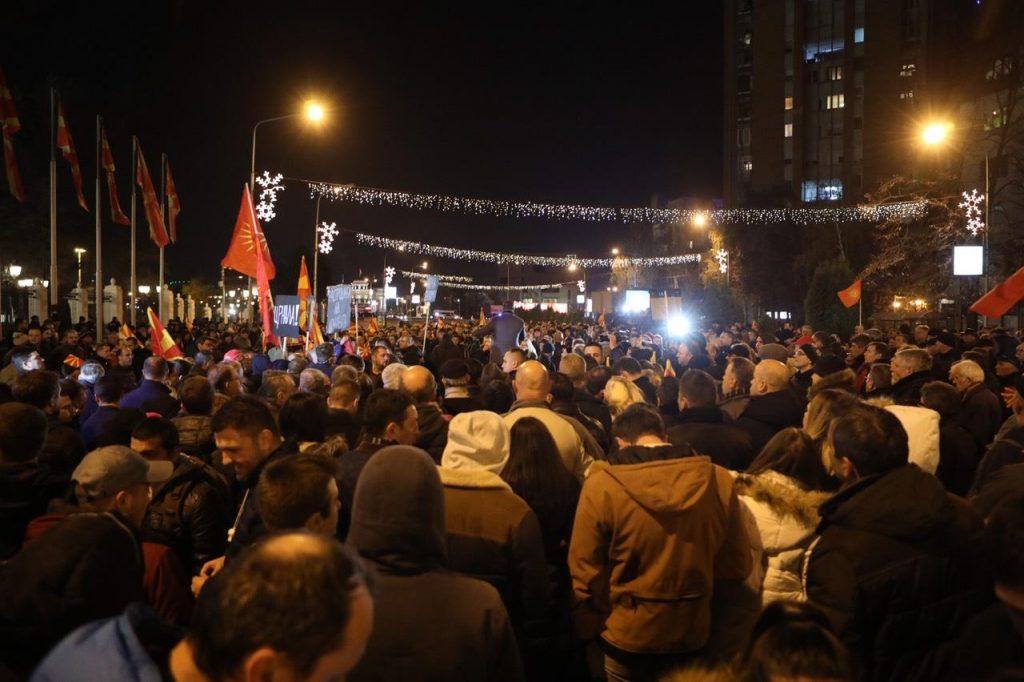 ИПИС: ВМРО-ДПМНЕ 21,4 отсто, СДСМ 17,5 отсто, кај Македонците ВМРО-ДПМНЕ 28,1, СДСМ 20,3 отсто!