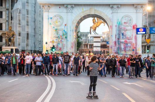 Тркалезна маса: Активизмот во шарената револуција беше со партиска платформа и со странска поддршка