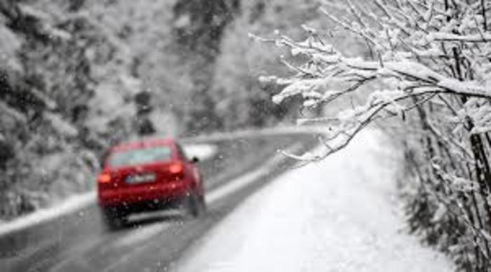 СОСТОЈБАТА НА ПАТИШТАТА: Врнежи од снег на планински превои, магла на Стража