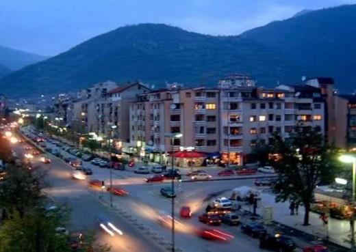 СВР Тетово: Се истражува криминал со голи фотографии и уцени од Французинка на Фејсбук