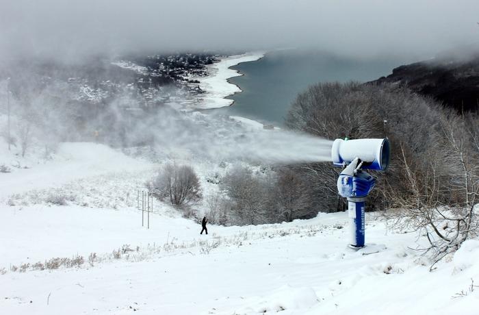 Маврово: Кога природно нема снег ќе има вештачки за скијање