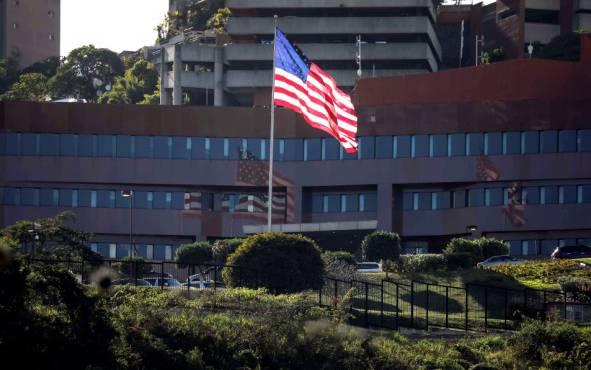 Венецуела се предомисли, го продолжи рокот на дипломатите од САД да ја напуштат државата