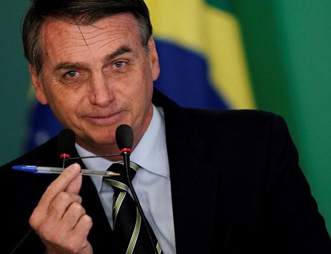 Бразилскиот претседател прима терапија со хидроксихлорокин