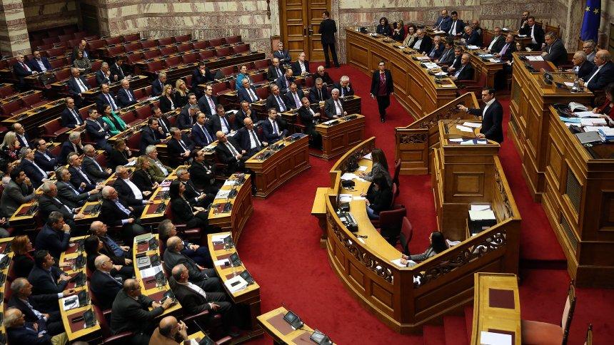 Договорот од Преспа помина на Комисија, утре на пленарна седница во грчкиот Парламент