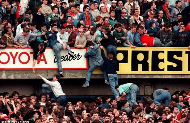 Лондон: По 30 години почнува судењето за Хилсборо каде загинаа 96 навивачи