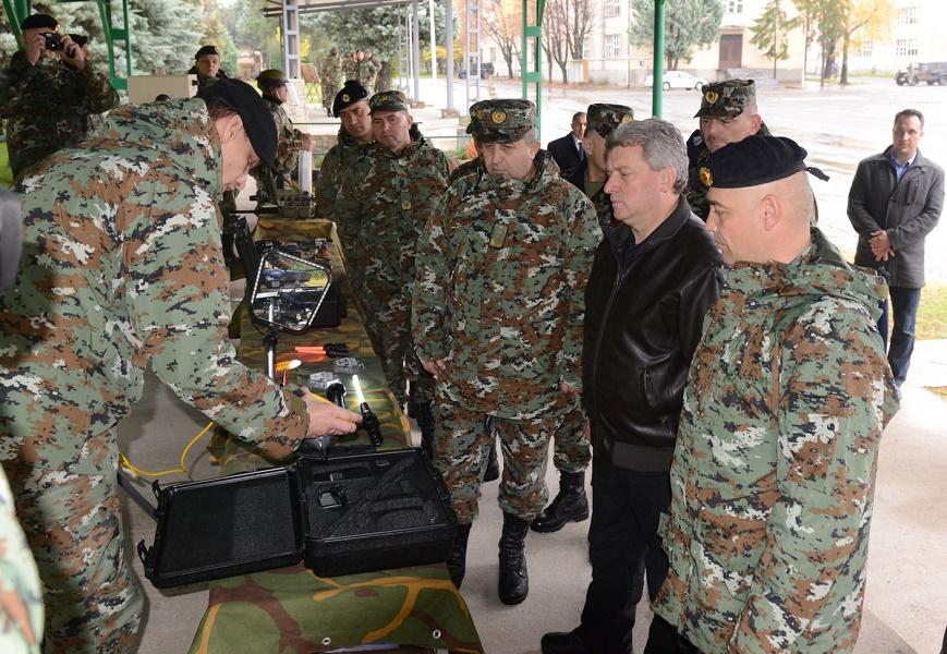 ИВАНОВ ВО КИЧЕВО: Честитка за војниците во касарната како и за припадниците на АРМ во мисиите во Авганистан, Либан и БиХ