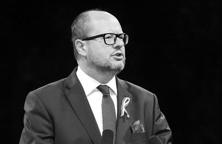 Почина полскиот градоначалник кој беше прободен во срцето на хуманитарен собир