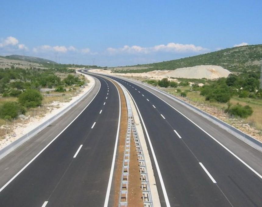 АМСМ: Не возете по автопатот Миладиновци – Штип, се уште се тестира безбедноста