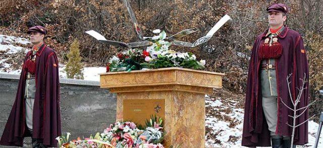 Годишнина од хеликоптерската несреќа: Цвеќе за 11 загинати кај Блаце од мисијата Алтеа