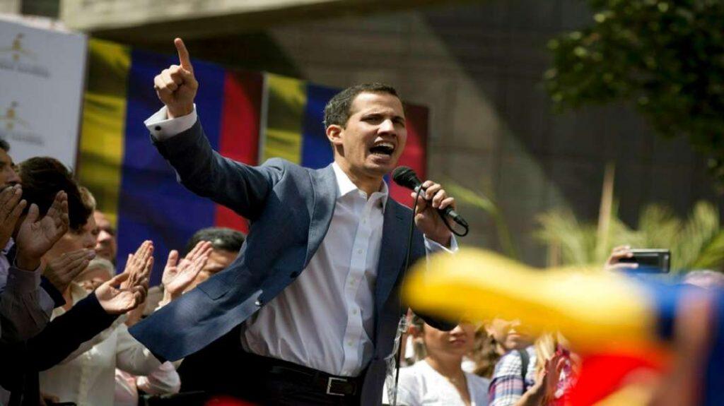 Бразил: Во Бразилија е окупирана амбасадата на Венецуела од приврзаници на Гуаидо