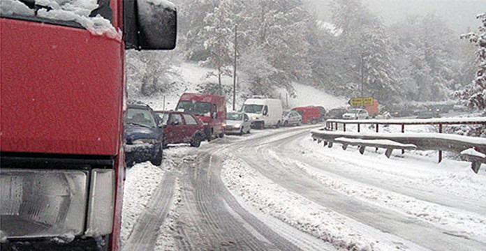 Забрани за камиони на патиштата кај Маврово и Дебар