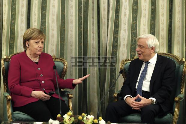 Меркел кај Павлопулос: Храбро во разврската со Северна Македонија