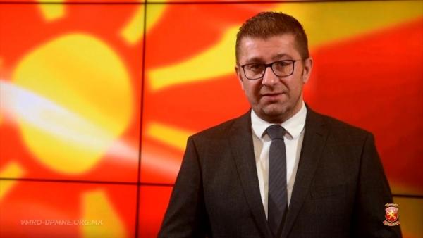 ИНТЕРВЈУ НА МИЦКОСКИ ЗА ПРЕС 24: Заев кукавички од скијање во Германија нареди да се објави неуставен закон во Македонија
