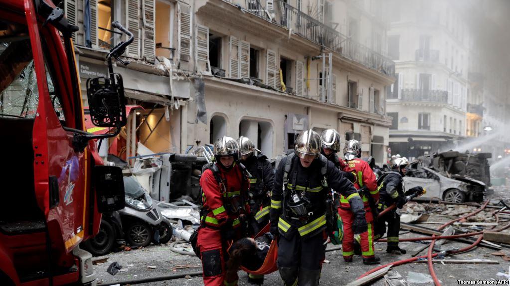 Експлозија во пекарница во Париз: 12 лица се во критична состојба од 36-те повредени