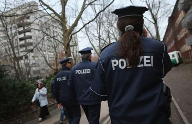 Поради бомбашки закани евакуирани три суда во Германија