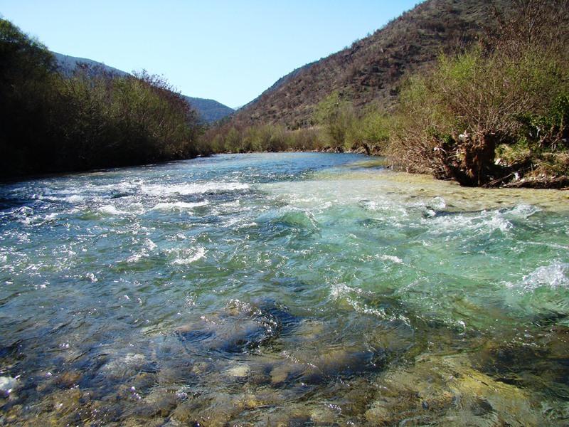 Реките се преполовија: Двојно пониски водостоите на Црн Дрим, Струмица, Пчиња и Лепенец