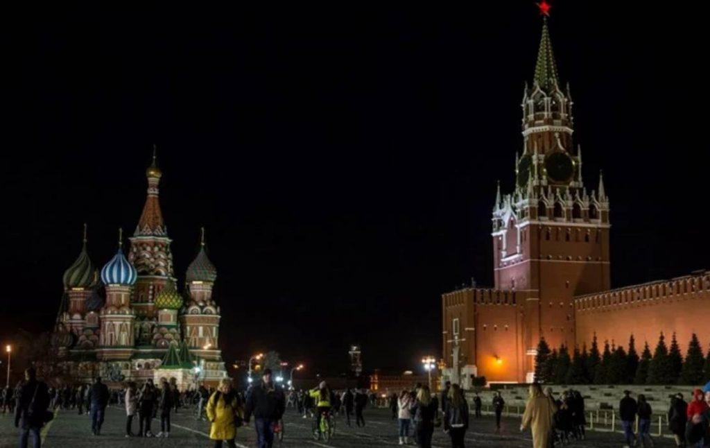 Чувар загинал, едно лице потешко, а 12 полесно повредени во пожар во електрана во Москва