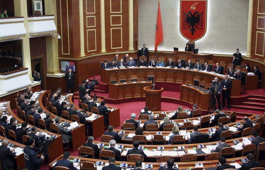 Албанската Законодавна парламентарна комисија го поддржа Протоколот за членство на Македонија во НАТО