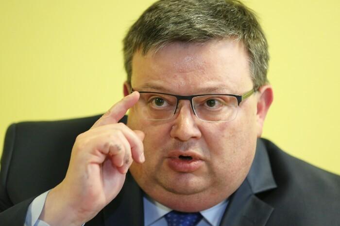 Цацаров: Руски агент вмешан во случајот Скрипал три пати бил во Бугарија