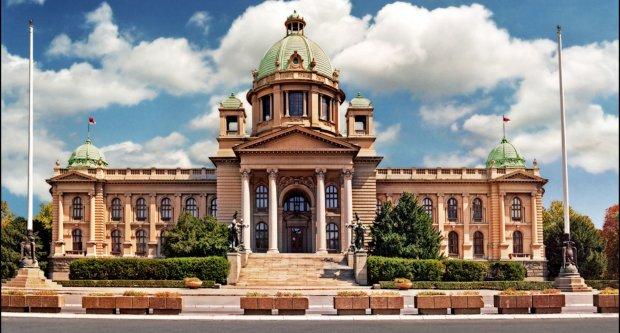 Србија: В понеделник конститутивната седница на новиот Парламент