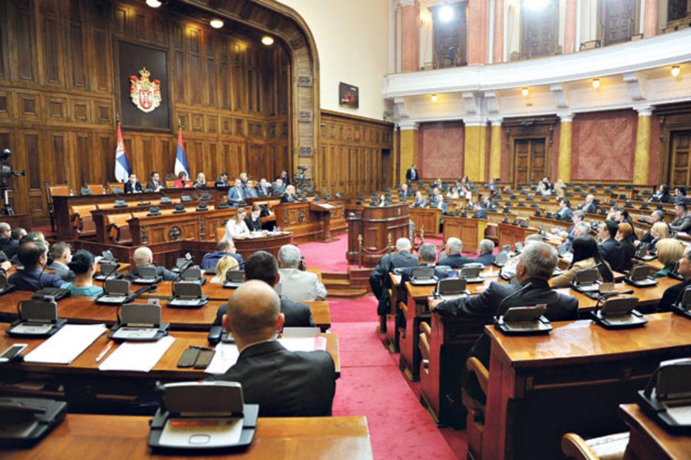 Српската опозиција почна со бојкот на Собранието