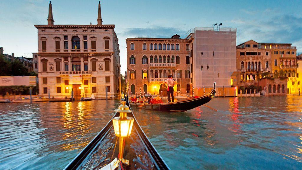 Венеција: Карневалот откажан поради коронавирусот