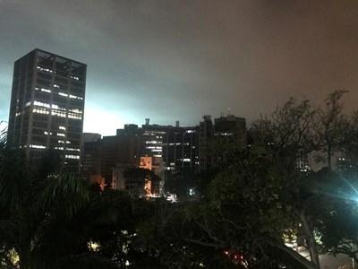 """НЕКА ЈА ВИКНАТ ПРАДА ЗА """"БОНБОНА БИЗНИС"""": Милиони луѓе без струја во Аргентина, Уругвај, Парагвај и Бразил"""
