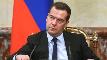 Русија: Премиерот Медведев поднесе оставка