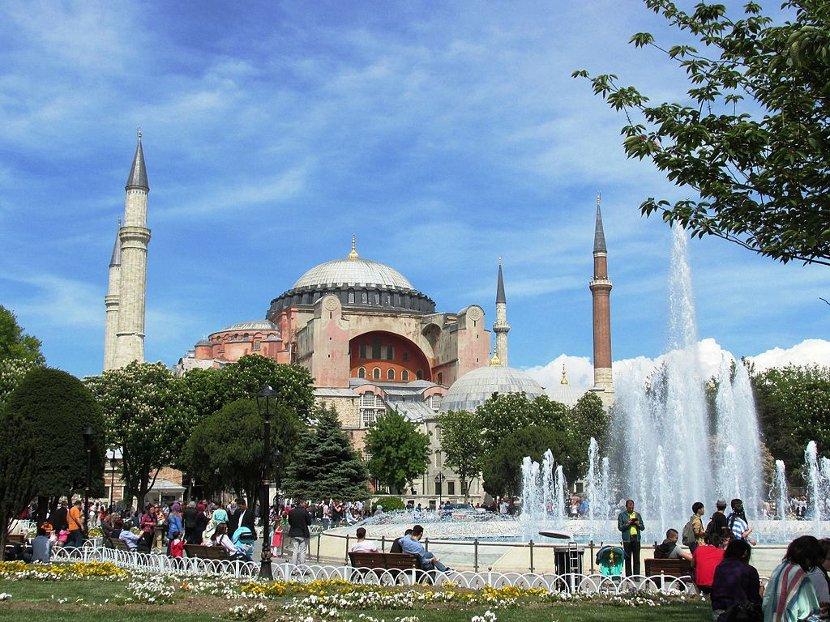 ДЕНЕСКА ОДЛУКА НА ТУРСКИОТ СУД: Дали музејот Света Софија во Истанбул ќе стане џамија?