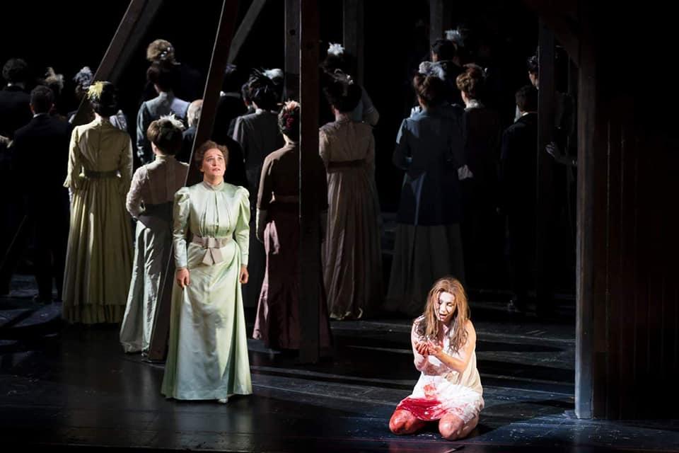 (ФОТО) ГОРДОСТ: Стоечки овации за Ана Дурловски во операта во Грац-Австрија!