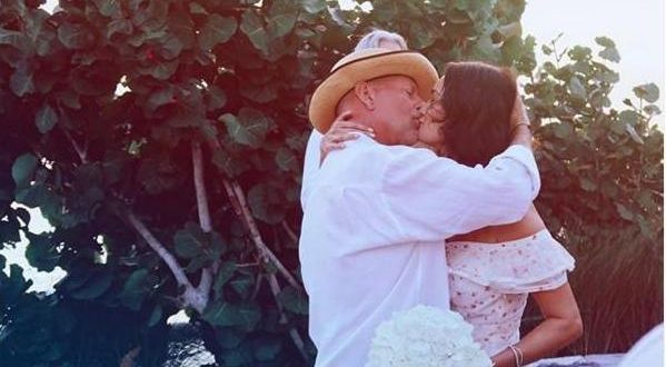 Брус Вилис повторно се ожени со истата жена, на венчавката присутна и Деми Мур (ФОТО)