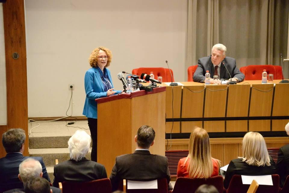Шеќеринска во МАНУ: НАТО шири стабилност низ целиот свет