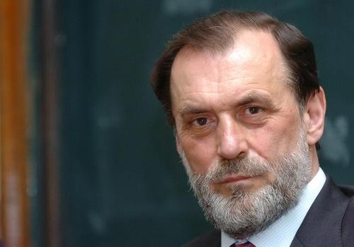 Вук Драшковиќ: Милошевиќ од Западот одби автономија за Косово, па доби независна држава
