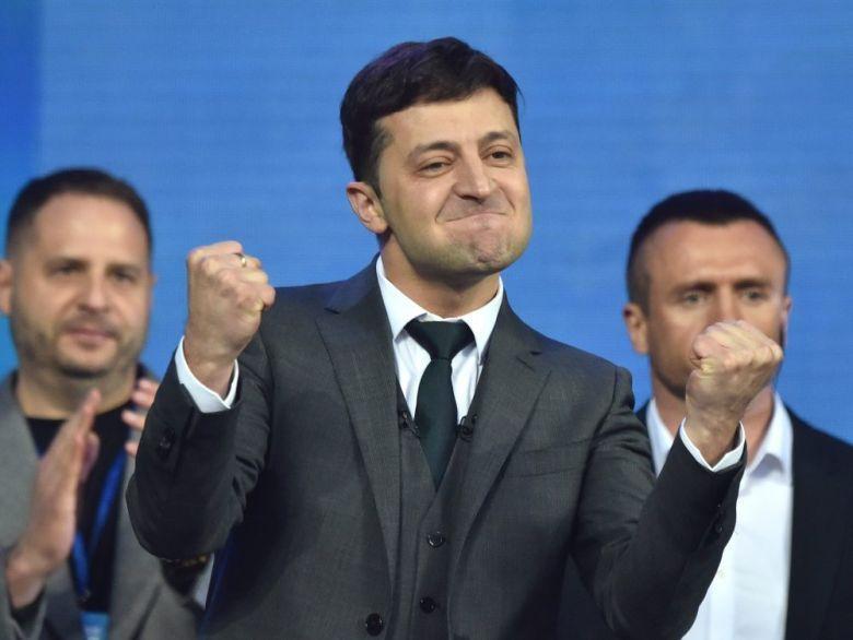 Украина: Зеленски со декрет закажа предвремените парламентарни избори во јули