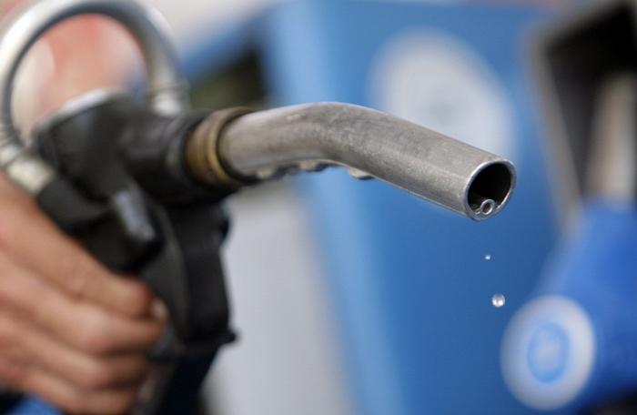 РКЕ: Бензините поскапуваат, дизелот поевтин за половина денар