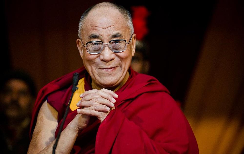 Би-Би-Си: Далај Лама се извини за изјавата дека мора да го наследи привлечна жена
