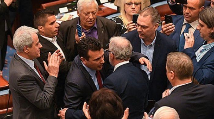 СУДИР МЕЃУ ДУИ И СДСМ: Закани од генсекот Николовски со ново мнозинство и нова Влада, Џафери бара нова лидерска, изборите пак висат