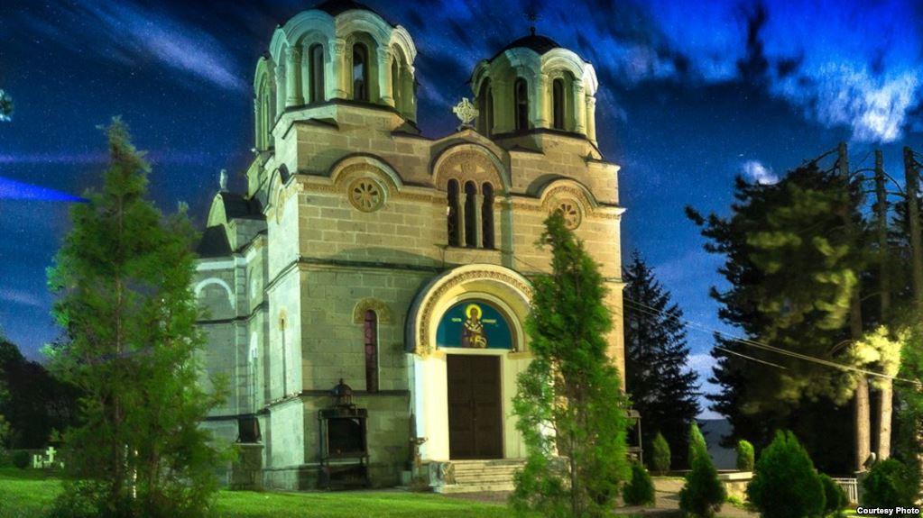 Македонски храмови: Лешочкиот манастир надживеал многу вандали и последните од 2001 год.
