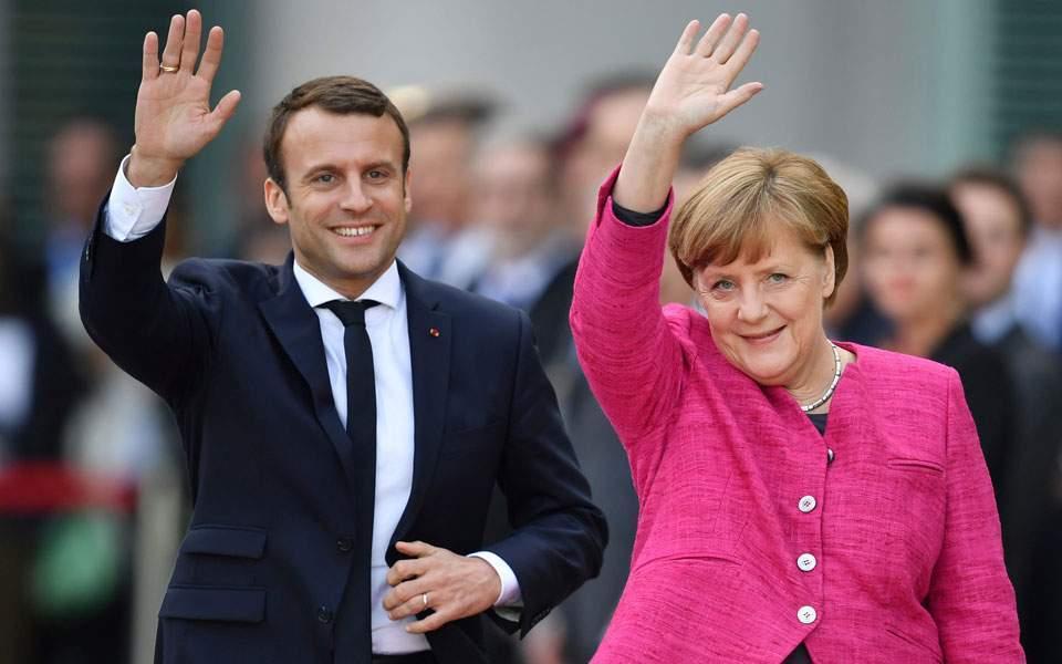 Дер Лајен и Меркел разговарале за блокадата од Макрон