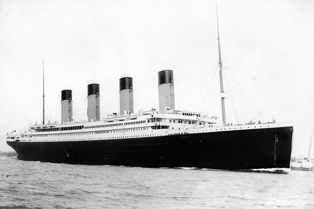"""На денешен ден: Во 1912 г. бродот """"Титаник"""" удрил во санта мраз, следното утро потонал, загинале 1503 лица"""