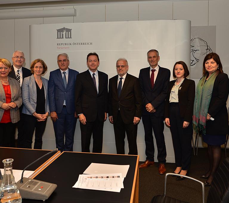 Австрија: Спикерот Џафери посети работилница за демократија во Виена