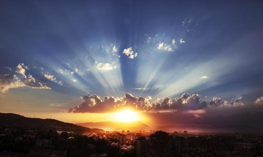 Астрономски календар: Денеска изгрејсонце во 6:22 часот, а зајдисонце во 17:13